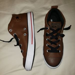 Converse - Mid top - Brown Leather Slip on Shoes